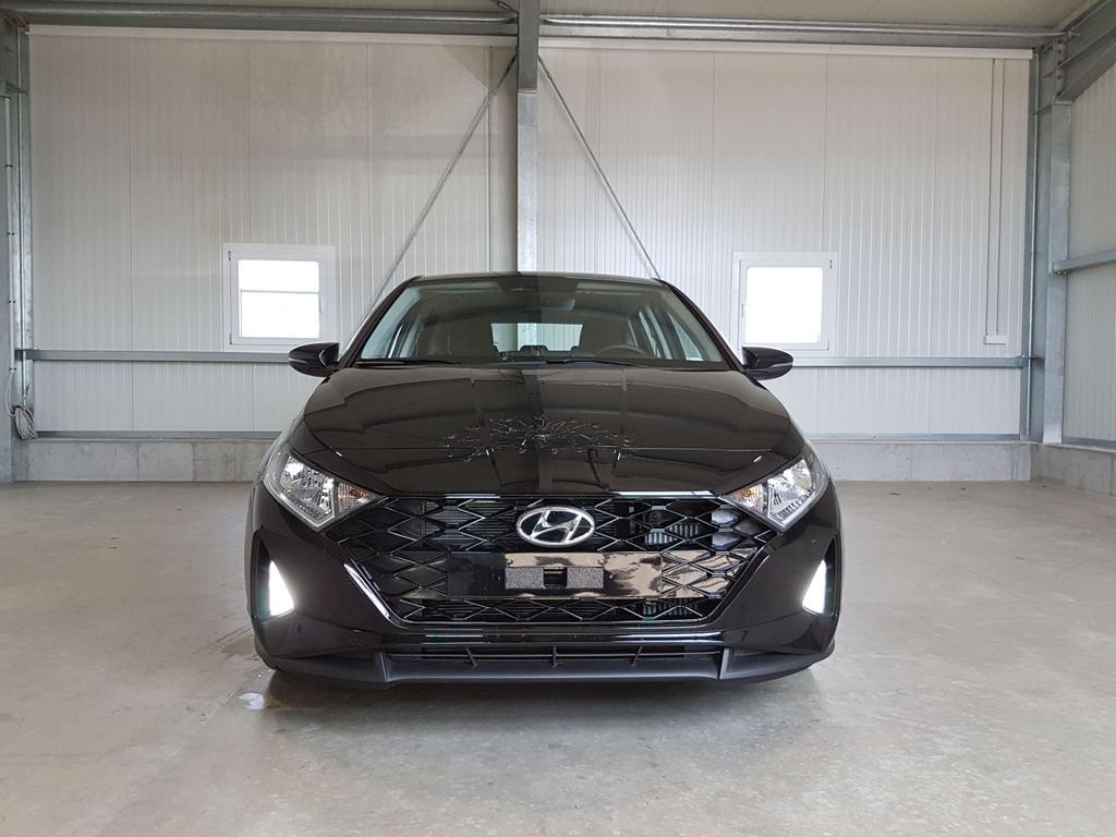 Hyundai / i20 / Schwarz /  /  /