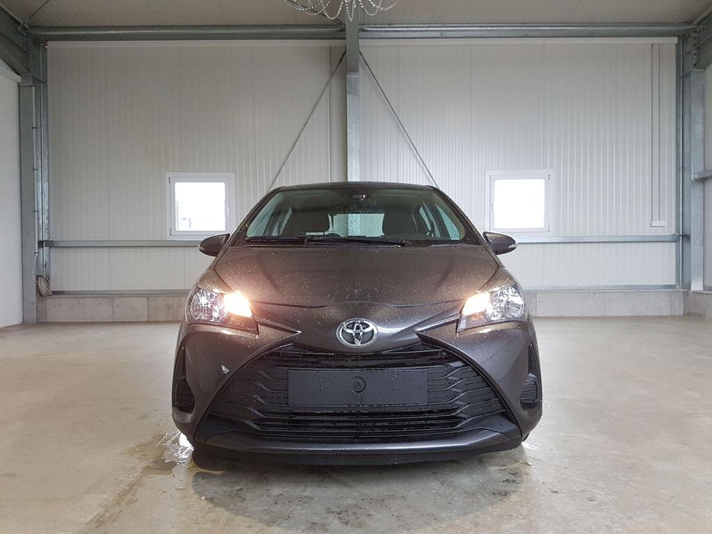 Toyota / Yaris / Grau /  /  /
