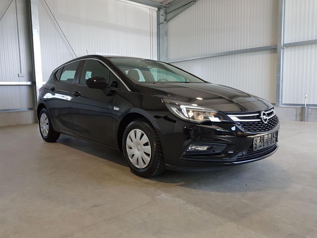 Opel / Astra / Schwarz /  /  /