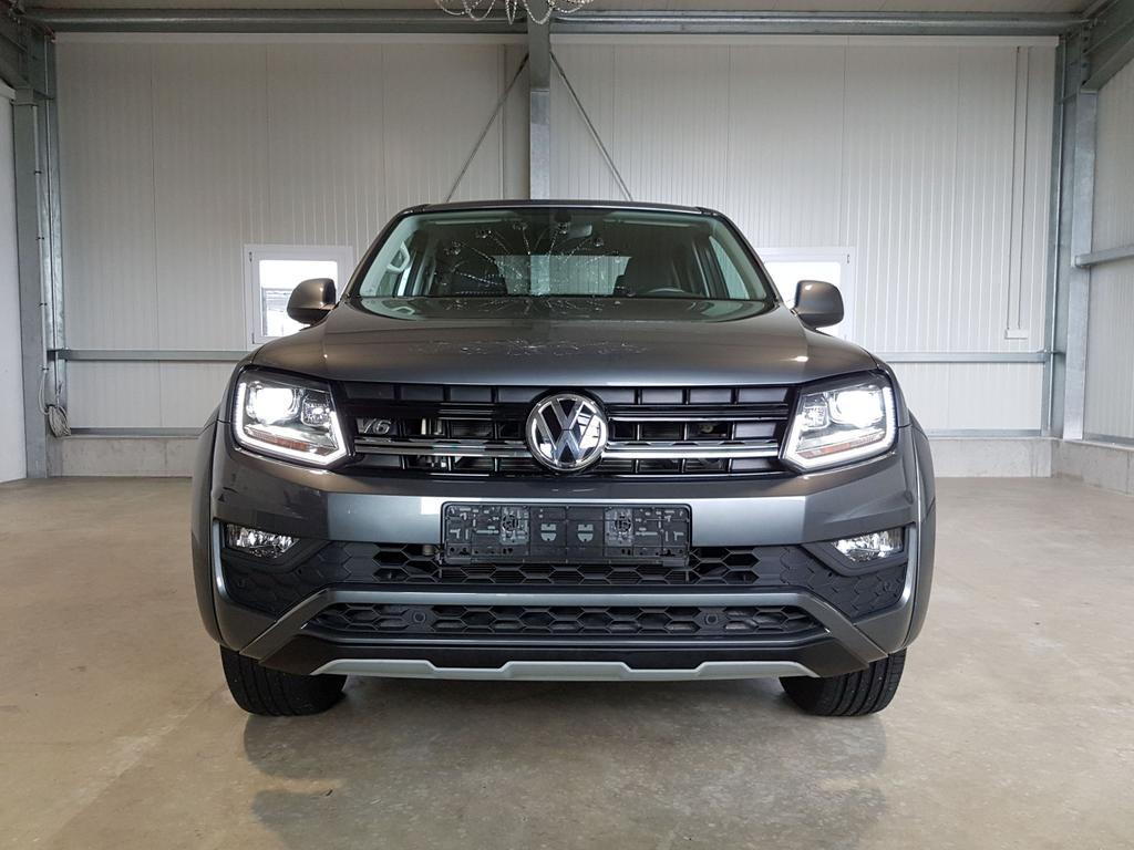Volkswagen / Amarok / Grau /  /  /