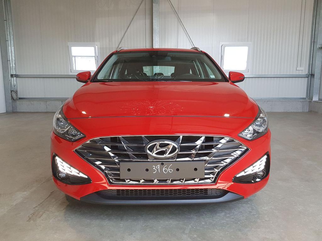 Hyundai / i30 Kombi / Rot /  /  /