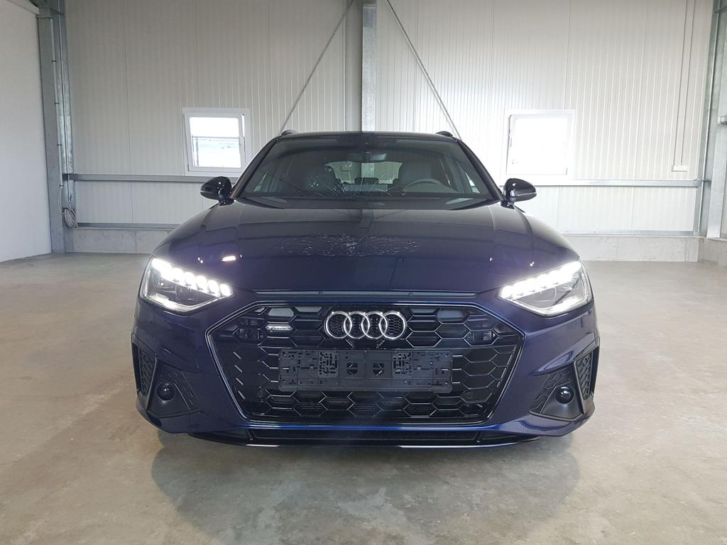 Audi / A4 Avant / Blau /  /  /