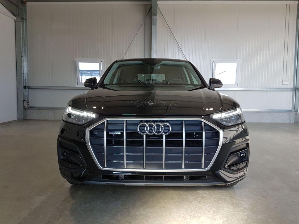 Audi / Q5 Sportback / Schwarz /  /  /