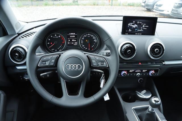 Audi A3 Sportback 35 TFSI 150 Nav PDC SHZ Temp 16Z