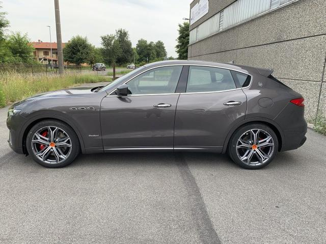 Maserati Levante - 3.0 V6 D275 Q4 GranSport 21Z Kam LED Sky