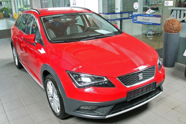 Gebrauchtfahrzeug Seat Leon ST - 1.4 TSI X-Perience, AHK, LED, Kamera, Winterpaket, FullLink