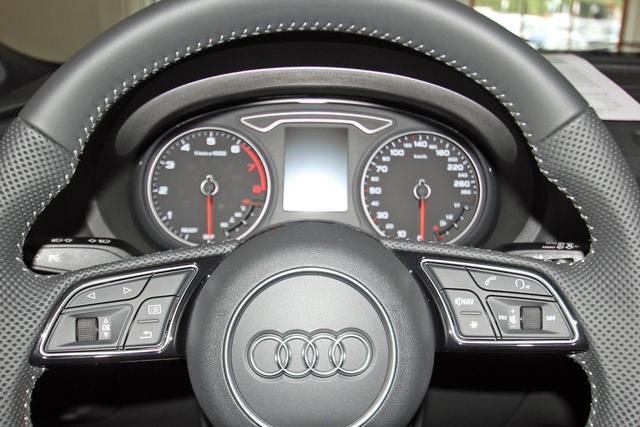 Audi A3 Sportback 35 TFSI S-LINE, DAB, Teilleder, Navi, Xenon Plus