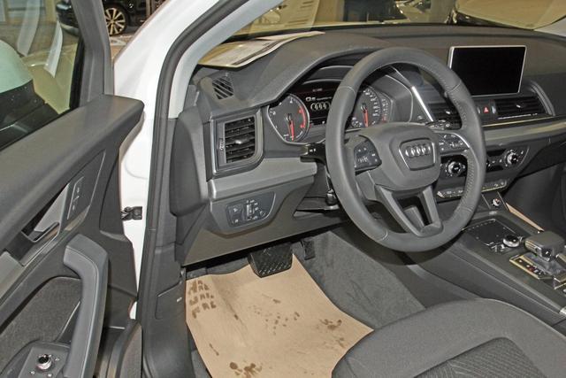 Audi Q5 35 TDI Quattro S-Tronic, Xenon, MMI Navi, Sitzheizung, el. Klappe,sofort