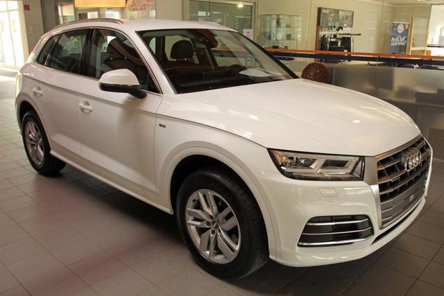 Audi Q5 - 35 TDI Quattro S-Tronic S-LINE, Matrix LED, Kamera, MMI Plus Vorlauffahrzeug