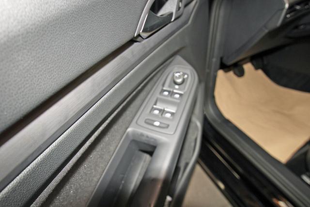 Volkswagen Golf VIII 1.5 TSI Style First Edition, IQ.Light, Navi Pro, DAB, el. Sitze