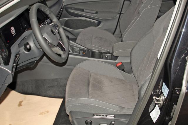 Volkswagen Golf VIII 1.5 TSI Style, LED, DAB, NaviPro, el. Sitz, Spurwechsel