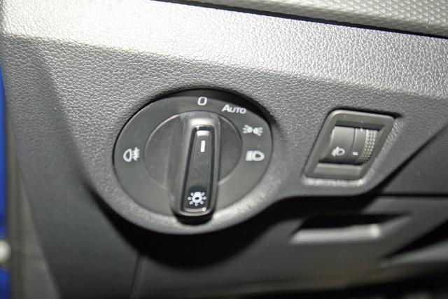 Skoda Kamiq 1.5 TSI Ambition, LED, Kamera, ACC, DAB, Sitzheizung