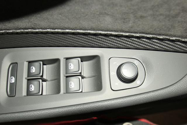 Seat Leon Sportstourer ST Cupra 2.0 TSI 4Drive DSG, Pano,ACC, DAB, Kamera, DCC, Navi, 19-Zoll