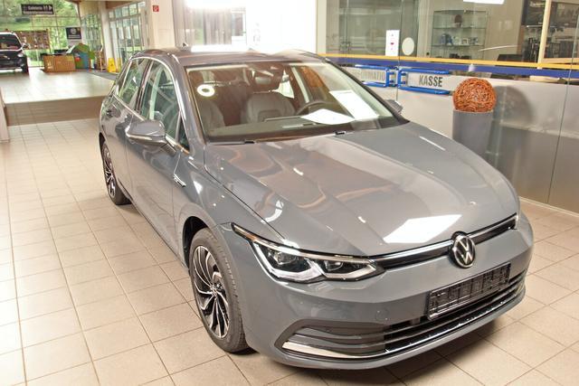 Volkswagen Golf - VIII 1.5 TSI Style, Kamera, Discover Pro, 17-Zoll Ventura schwarz