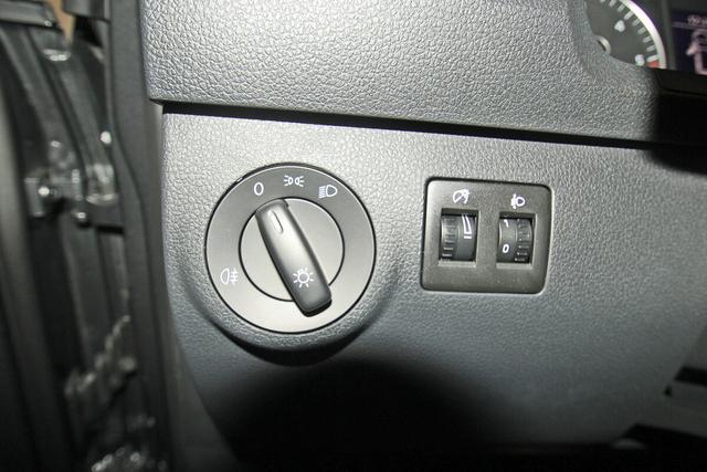 Volkswagen Caddy Maxi 2.0 TDI Trendline, Kamera, Navi, Sitzheizung, 7-Sitze,Dachreling
