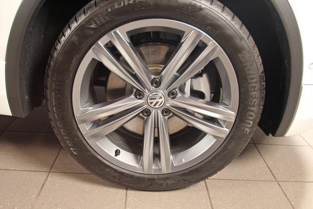Volkswagen Tiguan 2.0 TDI DSG 4-Motion R-LINE, Highline, Standheizung, AHK, Kamera