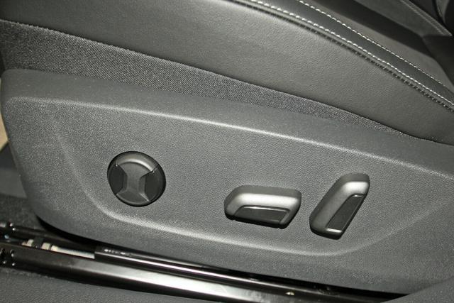 Skoda Kamiq 1.5 TSI DSG Style, Navi, Voll-LED, Teilleder, el. Sitz, Sunset