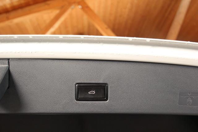 Volkswagen T-Roc Sport 2.0 TSI DSG 4-Motion, Black Style, Kamera, 18-Zoll schwarz