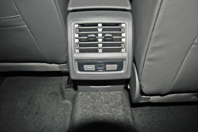 Volkswagen Golf VIII 1.5 TSI R-LINE, AHK, Kamera, LED-Plus, SideAssist, sofort