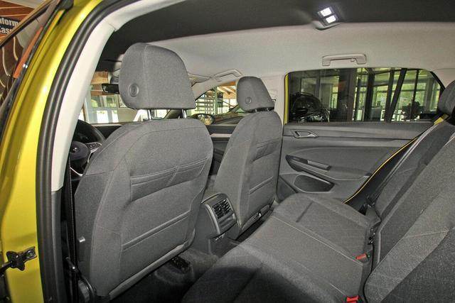 Volkswagen Golf VIII 1.5 TSI Life, Kamera, Navi Pro, ActiveInfo, LED