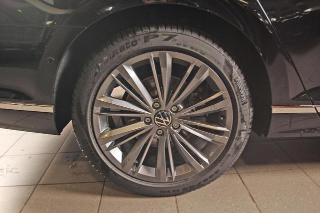 Volkswagen Passat Variant 2.0 TDI DSG Elegance R-LINE, Leder, 18-Zoll, Navi