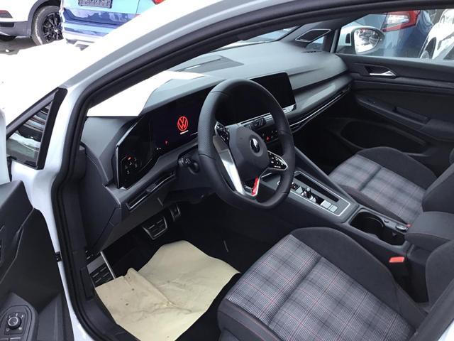 Volkswagen Golf - VIII GTI 2.0 TSI DSG, IQ.LIGHT, Pano, Harman, 19-Zoll