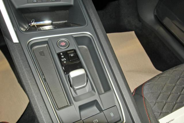 Seat Leon Sportstourer ST 2.0 TDI DSG FR, Navi, Kamera, ACC, LED, 18-Zoll, Side