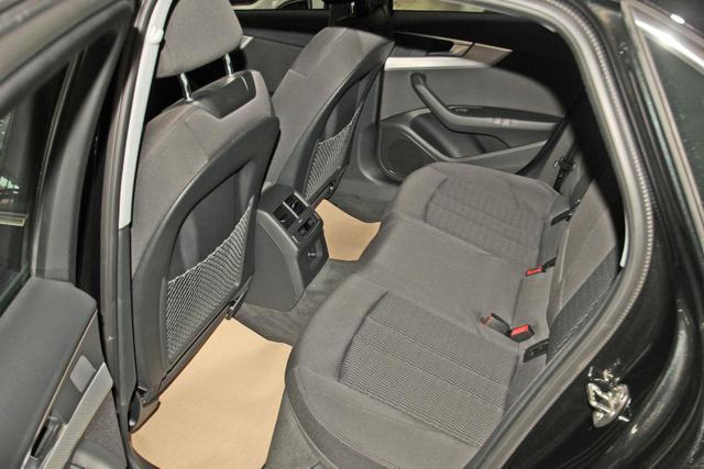 Audi A4 Limousine 40 TDI quattro S-Tronic design, AHK, MMI plus, LED