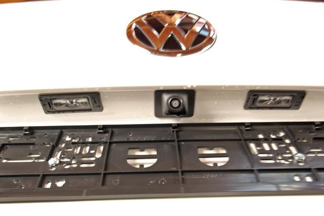 Volkswagen California 6.1 - T6.1 TDI DSG 4-Motion Beach Camper Edition, AHK, Side