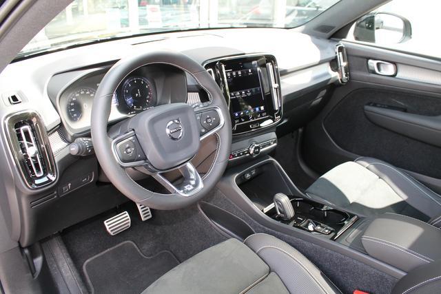 Volvo XC40 - R-Design D3 Aut. ACC PDC 2Z-Clima Alarm IntelliSafe Assist DAB - Lagerfahrzeug