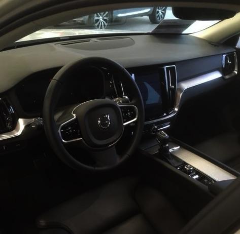 Volvo V60 - Inscription D4 Aut. Stdhzg Navi Leder Assistenzpaket Parksens.v h - Gebrauchtfahrzeug