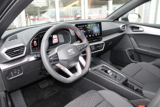 Seat Leon Sportstourer ST - FR 1.5 eTSI DSG AHK Navi Kessy Cam ACC Assistenz&Winterpaket - Vorlauffahrzeug