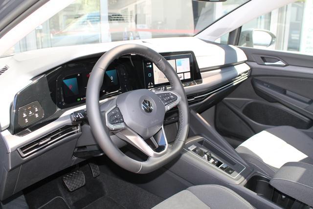 VW Golf - Style 1.5 eTSI DSG IQ MatrixLED NaviPRO Kamera Kessy Park&Travelassist ACC 3Z-Clim Sitzhzg LightAs. - Lagerfahrzeug