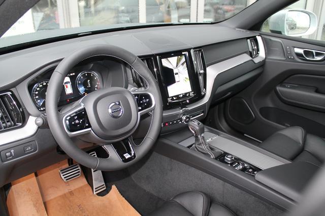 Volvo XC60 - R-Design B4 Aut. AssistenzPaket PDC v h el.Heckkl. DAB - Lagerfahrzeug