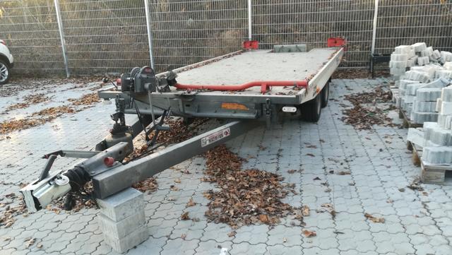 Lagerfahrzeug Vezeko -