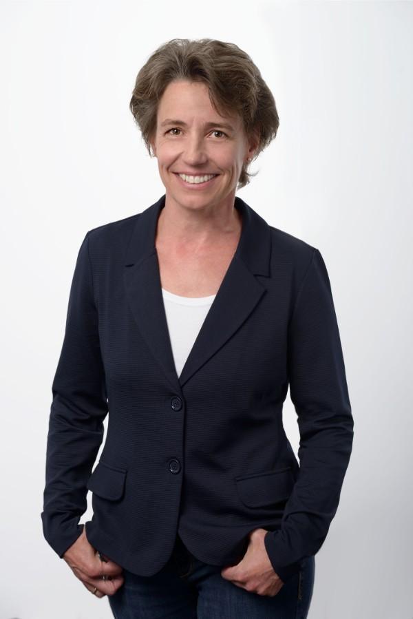 B2B-Fahrzeuggroßhandel Ansprechpartner Monika Dohr