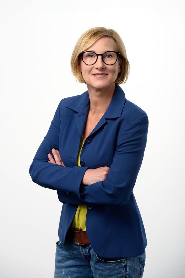 B2B-Fahrzeuggroßhandel Ansprechpartner Karin Pauli