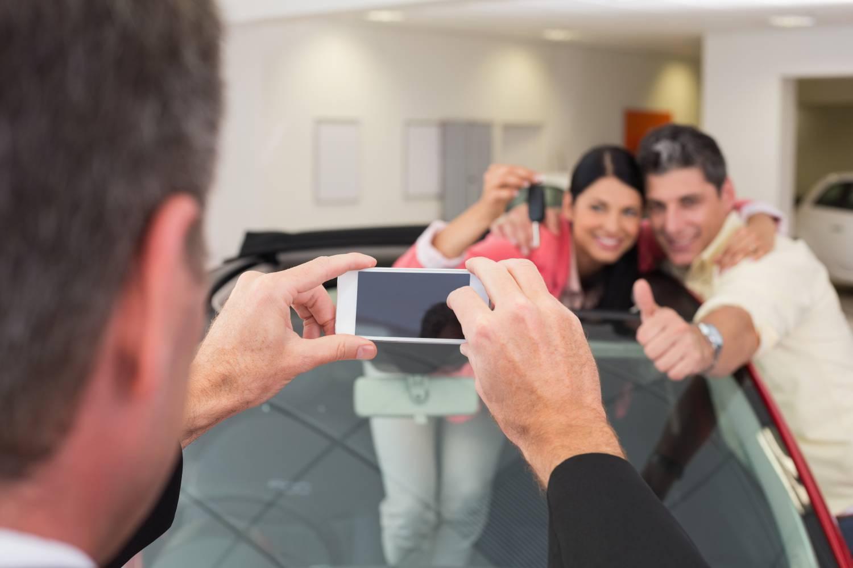 Autoverkauf, Selfie, Erfolg, Internet, Autohandel