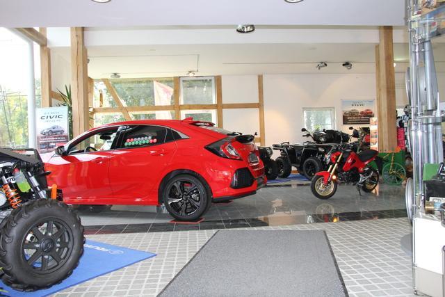 Autoscheune Gerlach e.K. - Ihr Spezialist für Honda Polaris TGB und Ssangyong in Badendiek Landkreis Güstrow, showroom Austellung