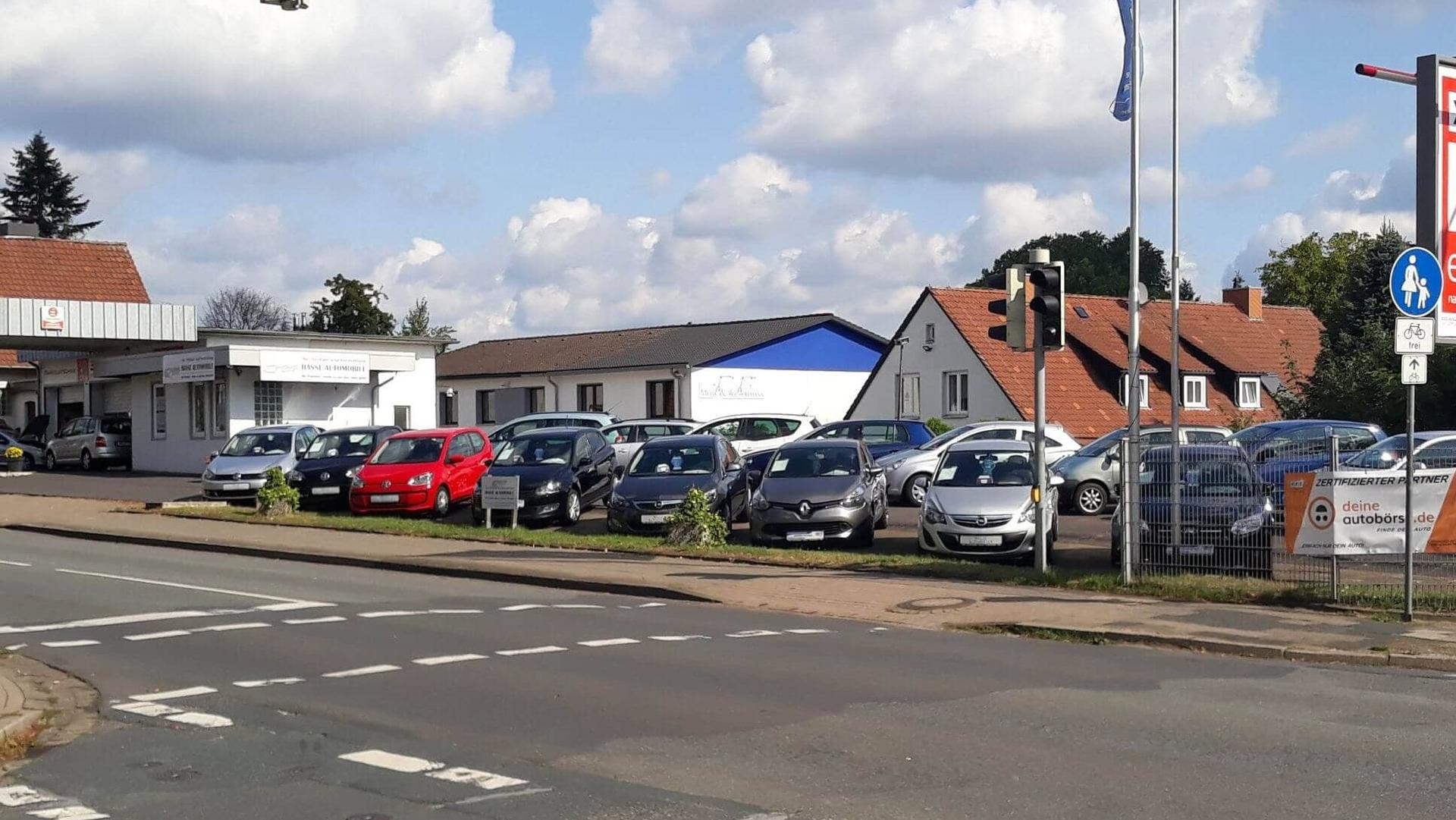 Wir bieten Ihnen eine große Online Auswahl an EU-Neufahrzeugen, Jahreswagen, neue EU-Bestellfahrzeuge und junger Gebrauchtwagen