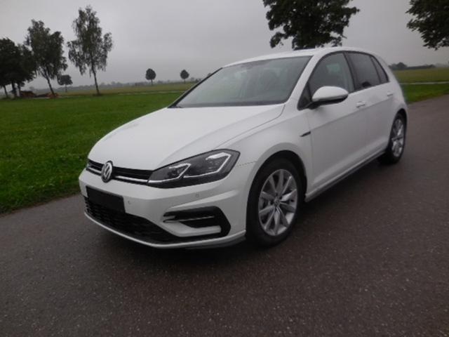 Volkswagen Golf - 1,5TSi Comfortline R-Line,LED,Navi,ergo