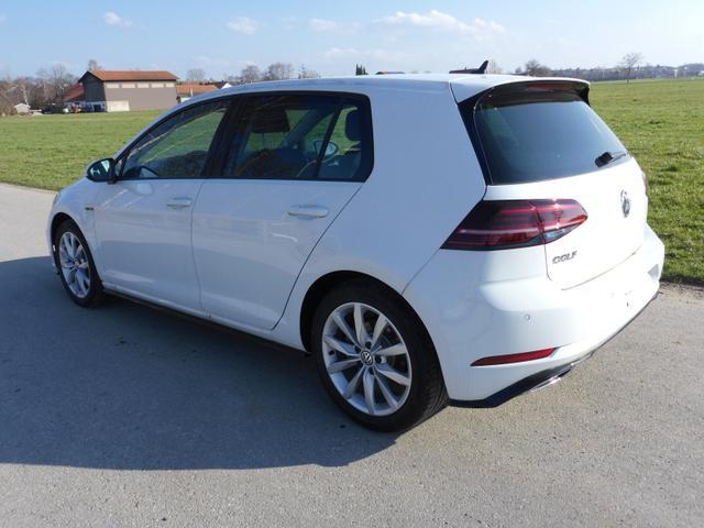 Volkswagen Golf    1,5TSi Comfortline R-Line,LED,Navi,ergo