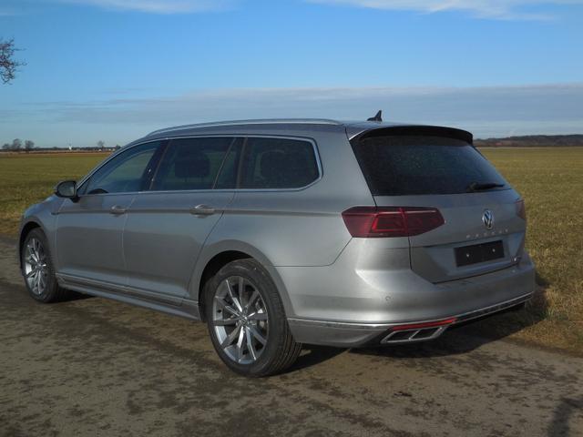 Volkswagen Passat Variant    Var. 2.0TDi R-Line DSG 4Motion Standh. Matrix Pano elekr. HK ACC Navi
