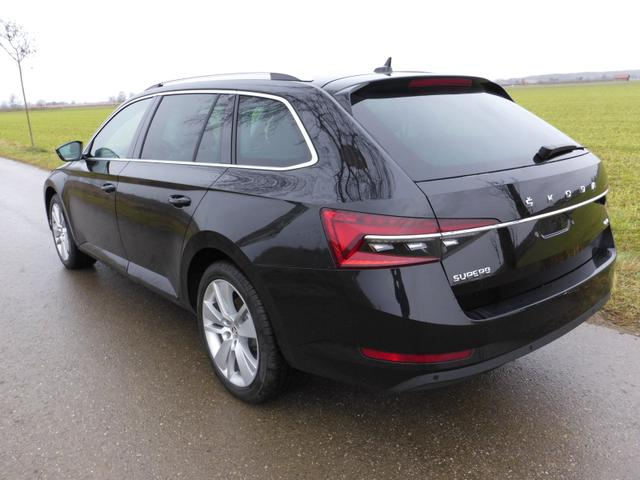 Skoda Superb Combi    2,0TDi Style DSG 4x4 neues Modell Facelift 2020
