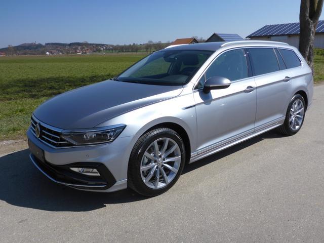 Volkswagen Passat Variant - Var. 2.0TDi R-Line DSG 4Motion Standh. Matrix AHK elekr. HK ACC Navi