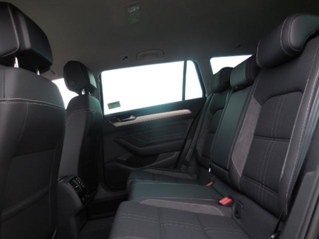 Volkswagen Passat Variant Var. 2.0TDi Alltrack DSG 4Motion Standh. AHK Navi ACC el.HK