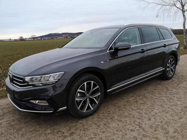 Volkswagen Passat Variant - Var. 2.0TDi R-Line DSG ACC Travelass. el.HK Alcantara Vorlauffahrzeug kurzfristig verfügbar