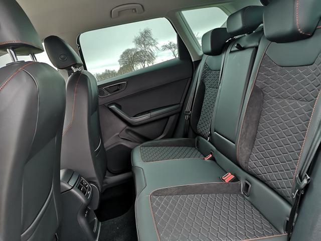 Seat (EU) Ateca 2,0TDi FR-Line 6Gang AHK ACC Parkl. LED Navi Spur GV5