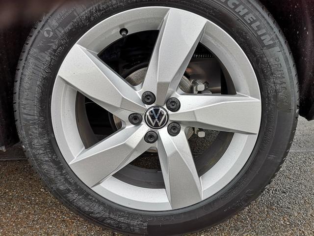 Volkswagen T-Cross - 1,0TSi Style DSG ACC LED App Sitzh.