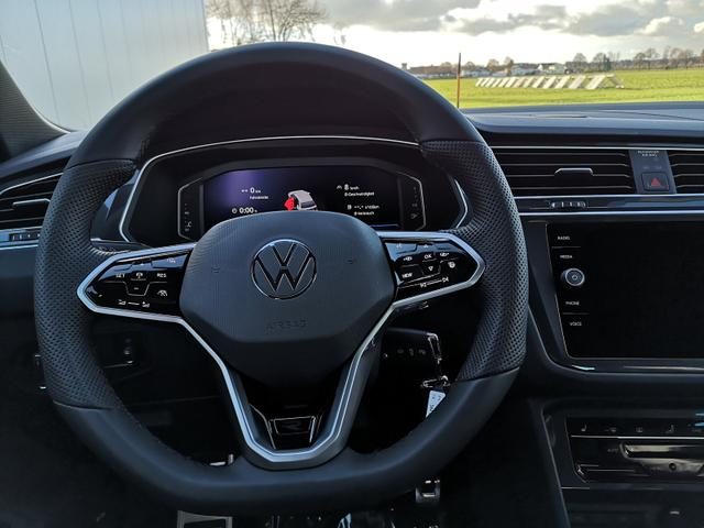 Tiguan 2.0TDi R-Line DSG 4x4 Blackstyle HEAD UP el. HK. LED